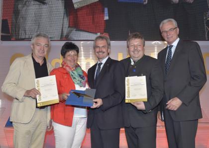 Verleihung Goldene Kelle 2014 - Weingut Taubenschuss v.l.n.r. Monika und Helmut Taubenschuss, LR Mag. Karl Wilfing, Bgm. Thomas Grießl, Peter Morwitzer