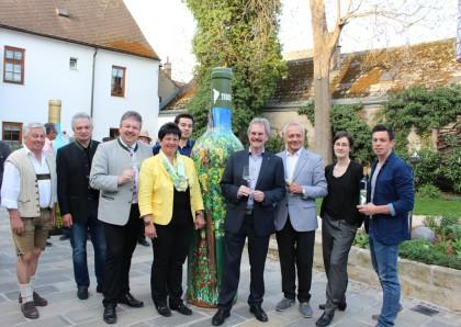 Ausstellung Kunst im Weingut eröffnet - Taubenschuss mit neuem Programm für Poysdorf-Besucher